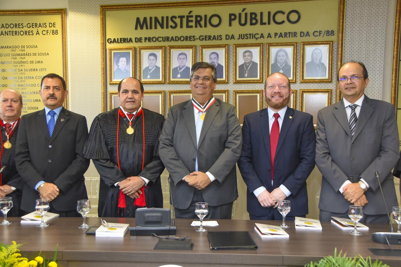 Othelino Neto prestigia entrega da Medalha Celso Magalhães ao governador Flávio Dino