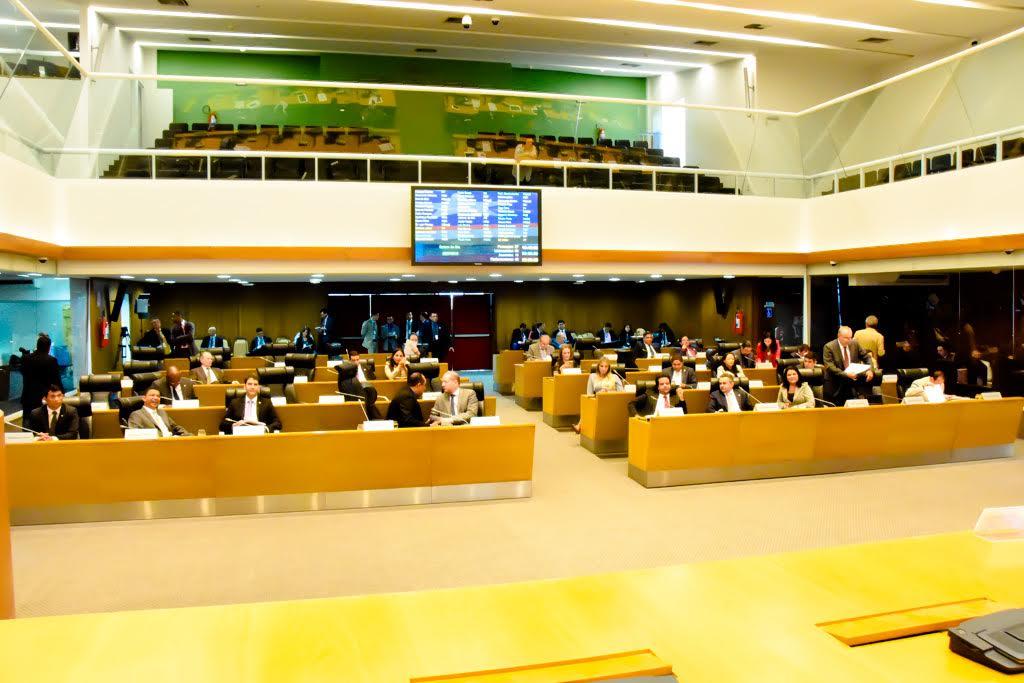 Resultado de imagem para foto da assembleia legislativa do maranhão em votação em plenário