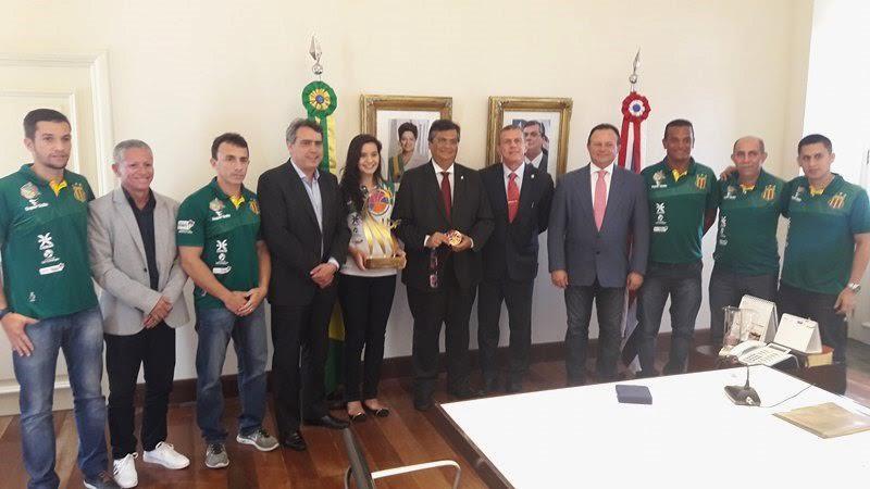 Sérgio Frota e Comissão Técnica do basquete do Sampaio visitam o governador