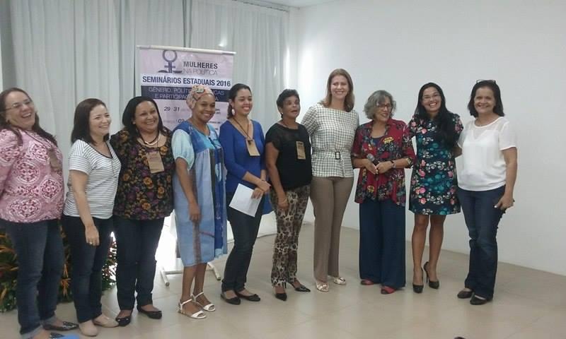 Valéria Macedo participa de seminário sobre mulheres na política