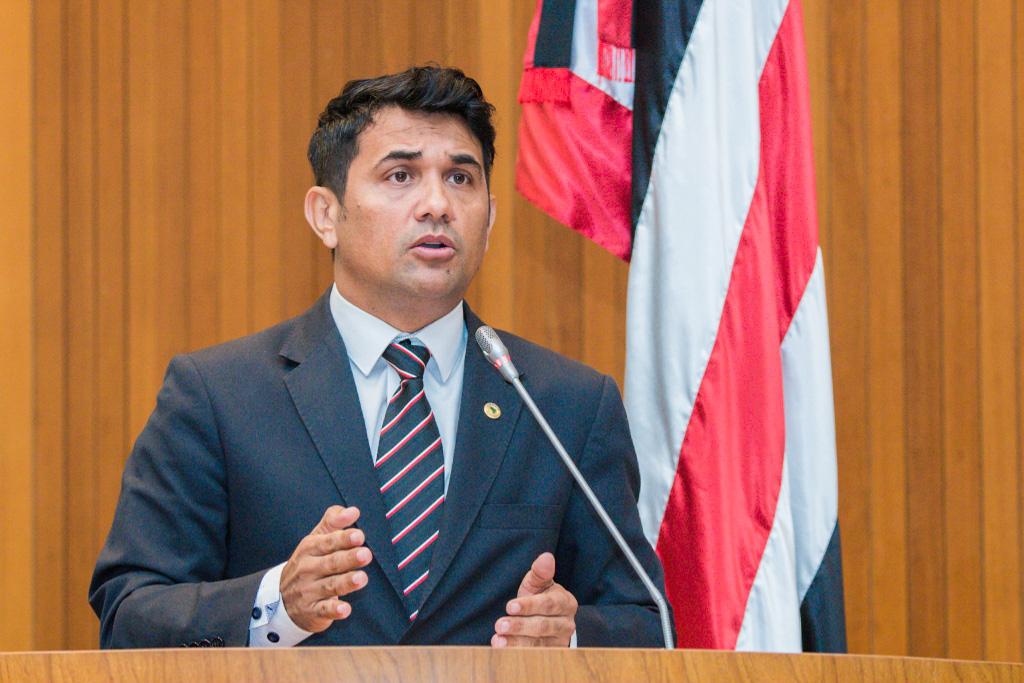 Wellington aponta irregularidades no seletivo de cuidador de criança da Prefeitura de São Luís