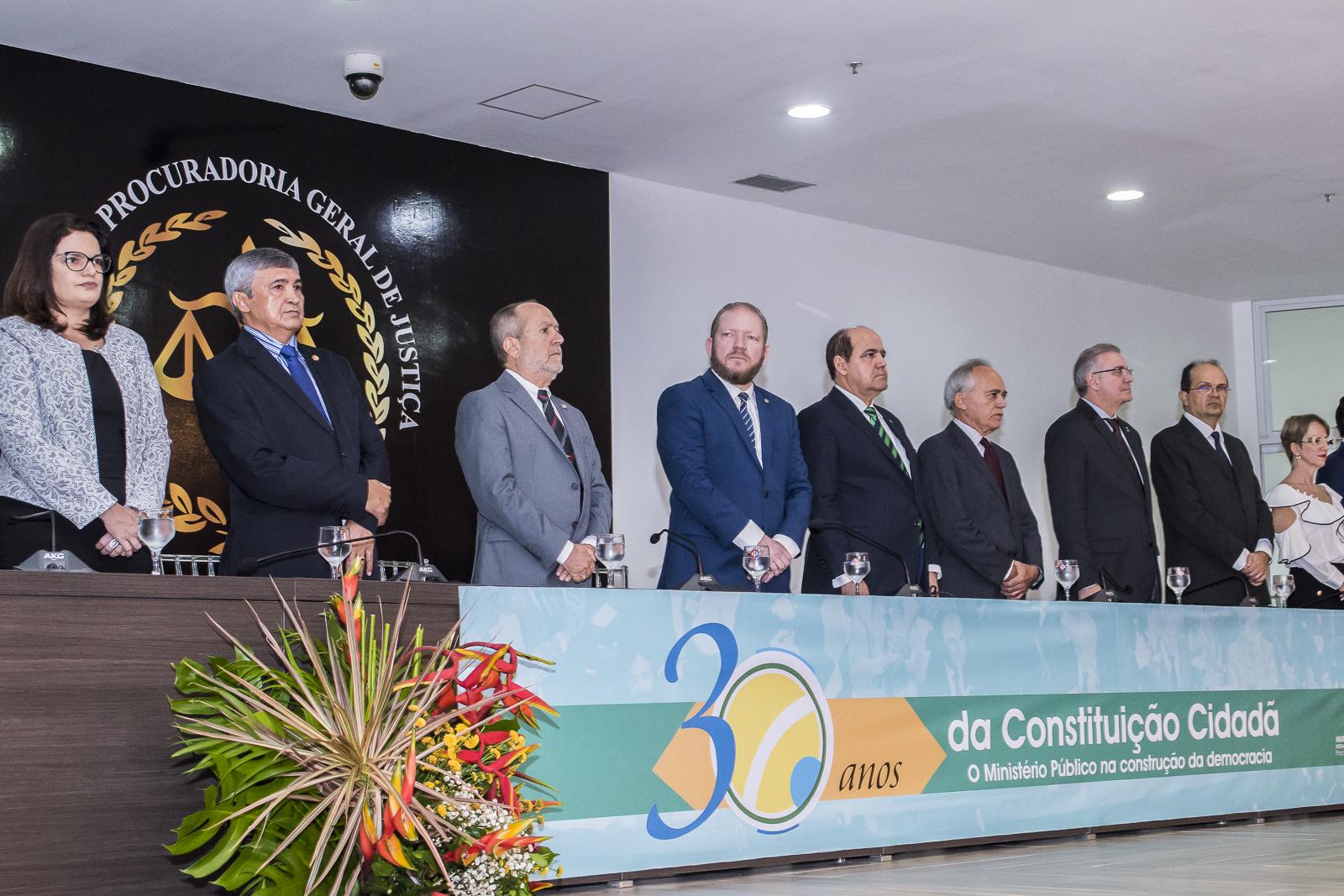 Othelino Neto prestigia seminário em homenagem aos 30 anos da Constituição Federal