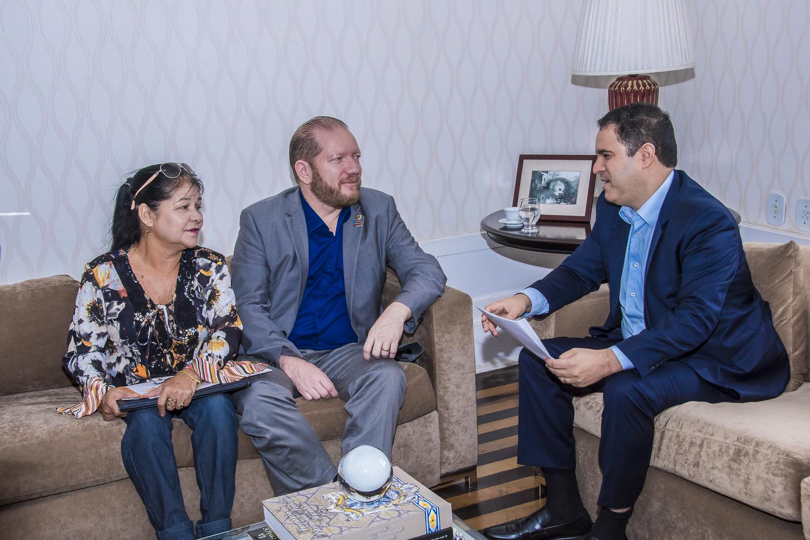 Em reunião com Edivaldo, Othelino Neto garante melhorias para o bairro João de Deus e adjacências