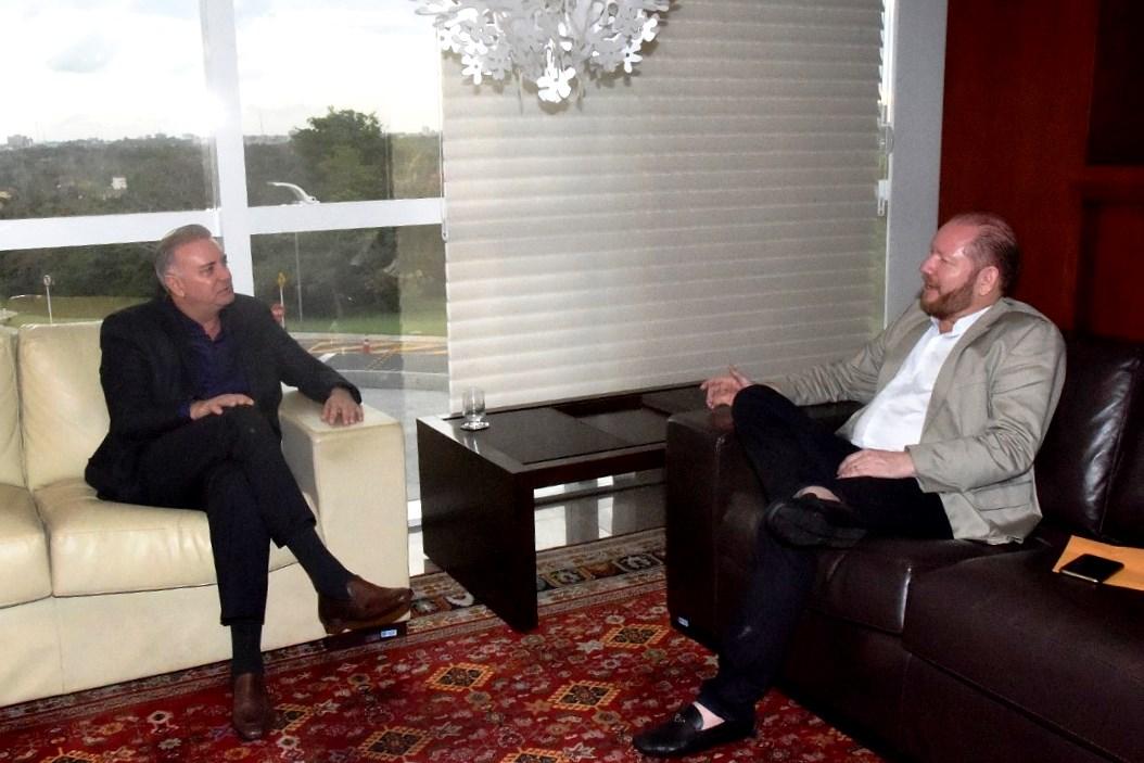 Presidente da Assembleia recebe visita de cortesia do desembargador Froz Sobrinho