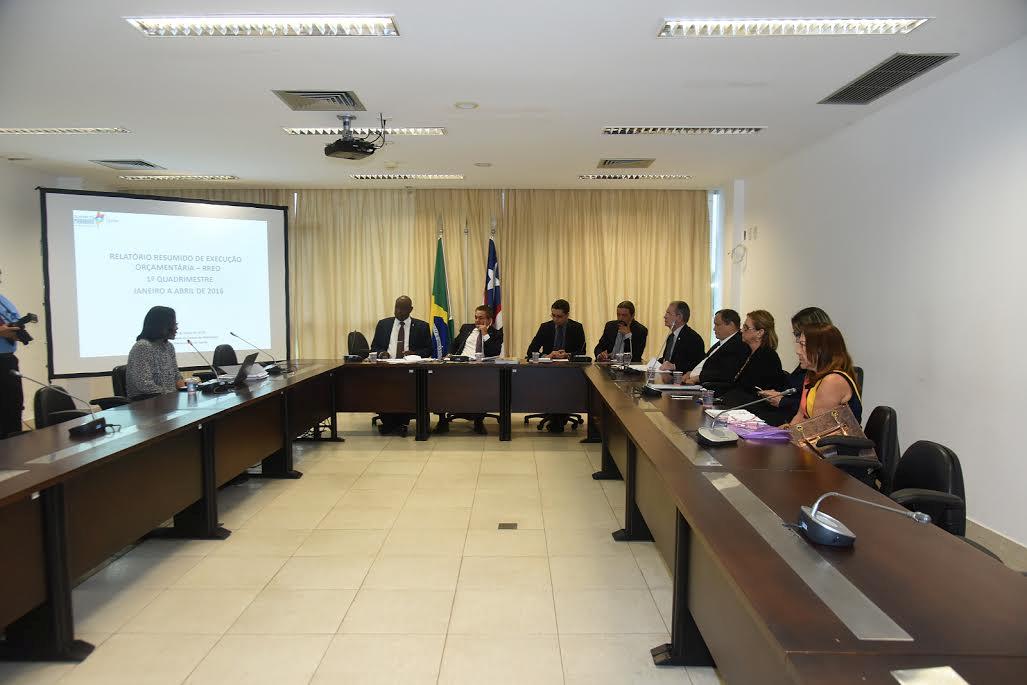 Secretário de Saúde apresenta relatório de prestação de contas à Comissão de Saúde da Assembleia