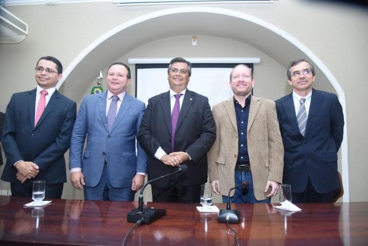 Othelino Neto participa da posse dos novos secretários do governo do Estado