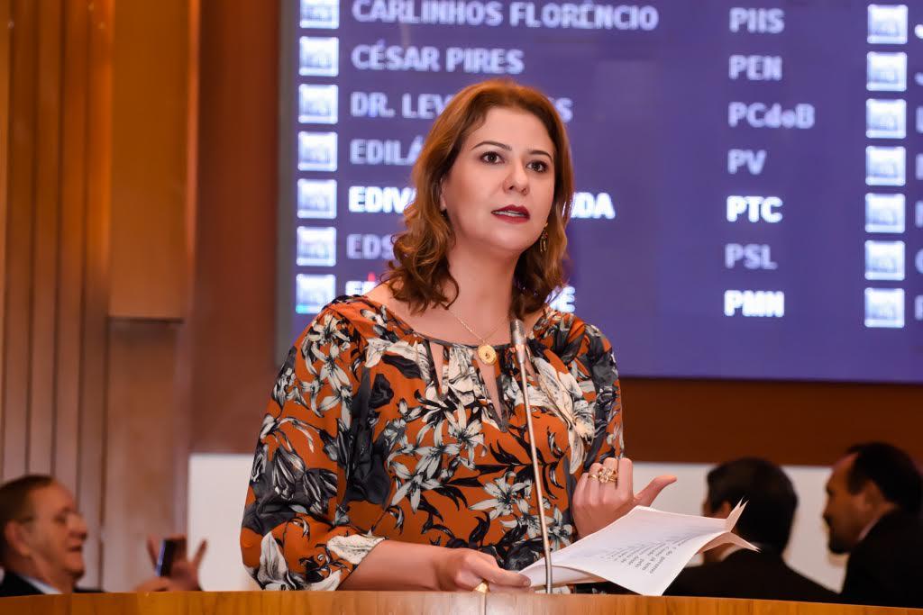 Valéria Macedo pede asfaltamento para povoados Lagoa Verde e Centro Novo em Imperatriz