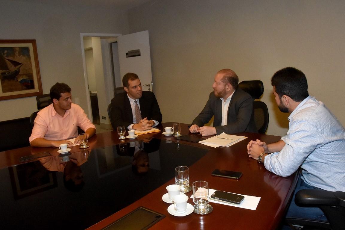 Presidente da Assembleia recebe visita do titular da Secretaria Transparência e Controle
