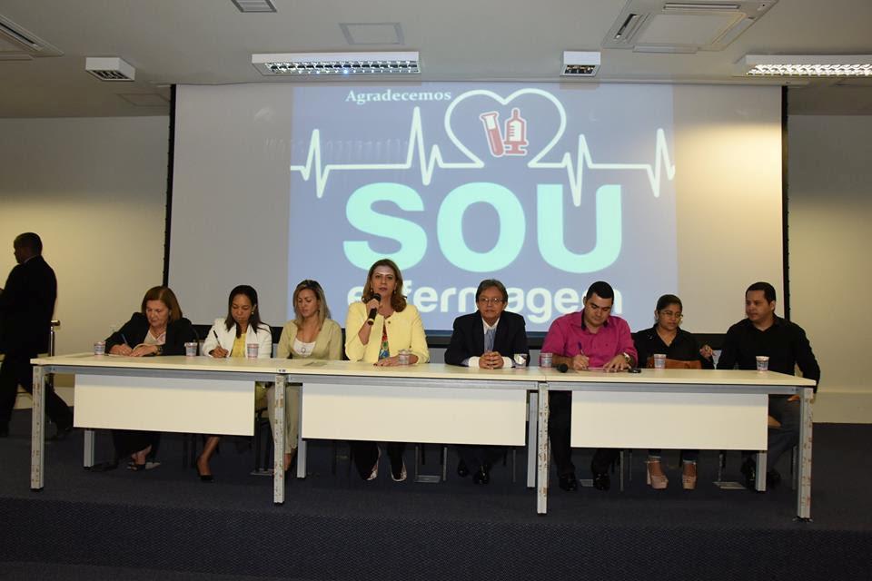 Valéria Macedo participa do II Encontro Estadual de Líderes e Autoridades de Saúde
