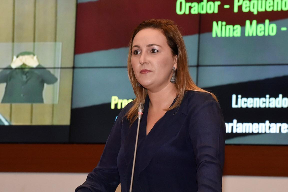 Deputada Nina Melo apresenta projeto para garantir transporte gratuito aos portadores de câncer