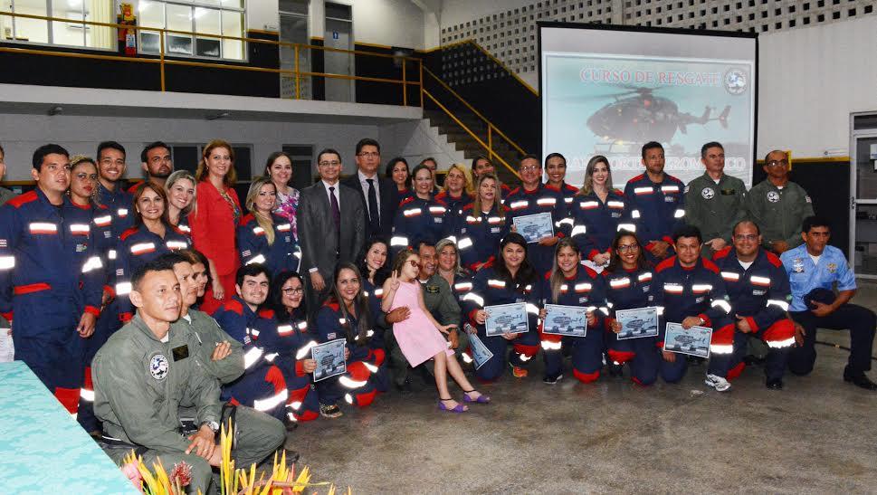 Valéria participa de cerimônia de formatura da turma de resgate e transporte aeromédico do CTA