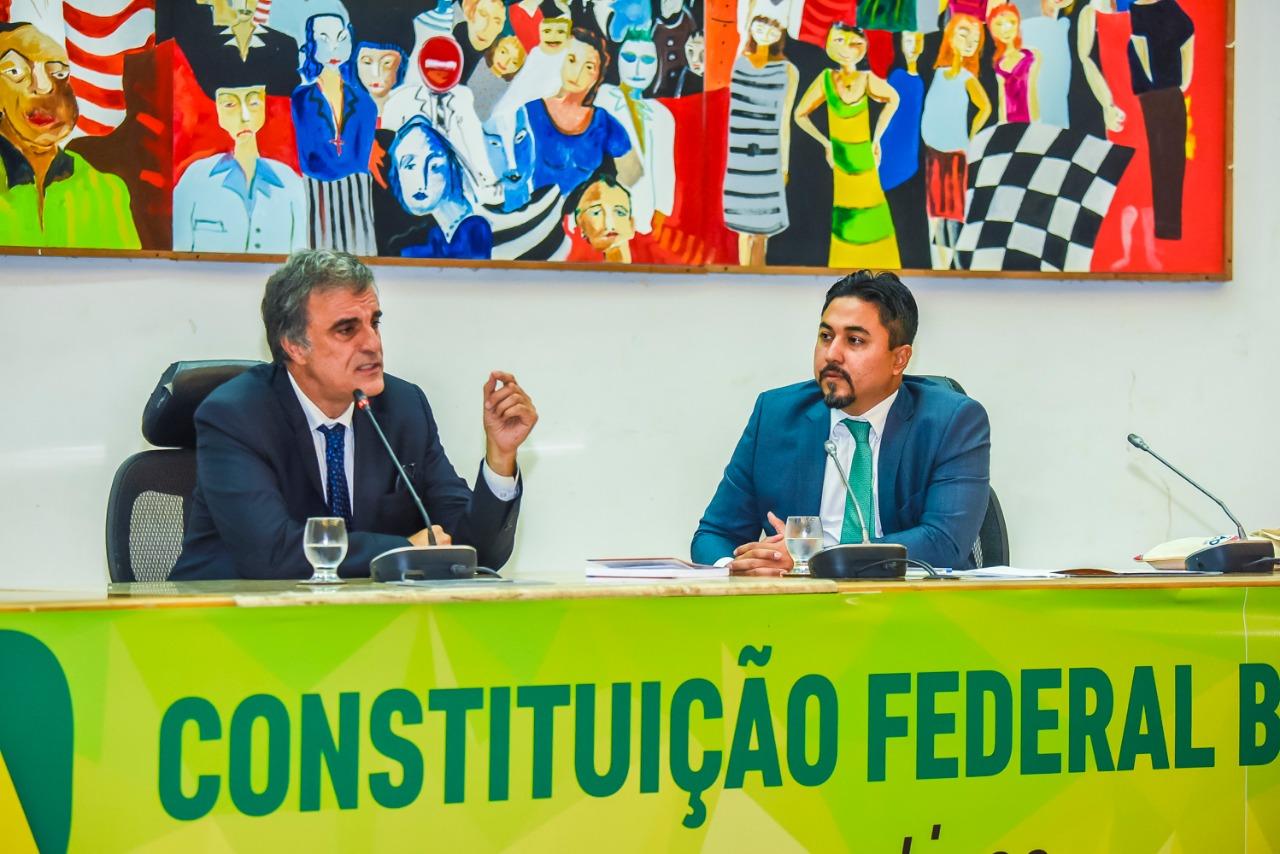 """""""Estamos vivendo no Brasil uma grave crise do Estado Democrático de Direito"""", alerta ex-ministro da Justiça"""