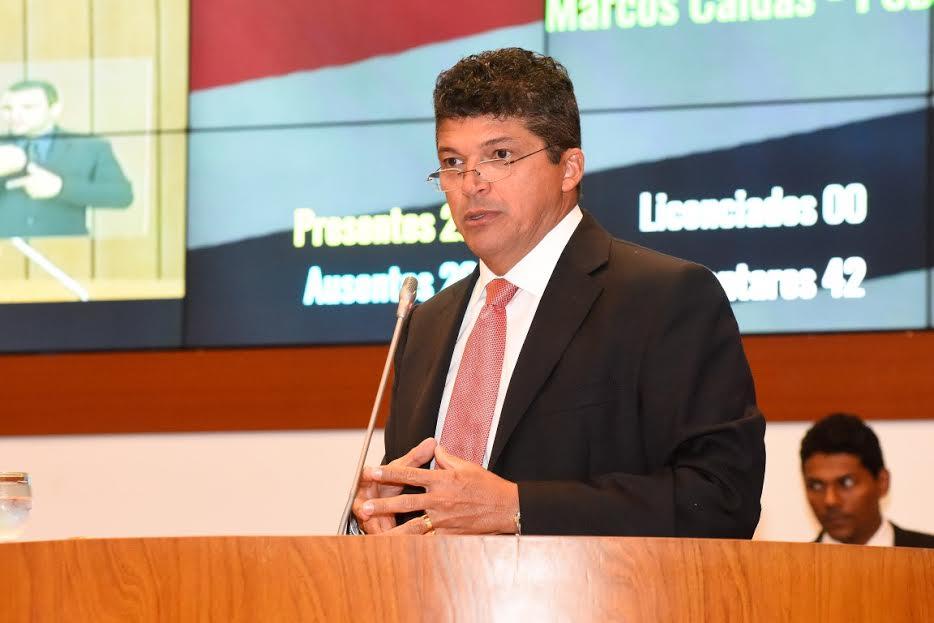 Marcos Caldas defende sua biografia e o governo em relação a segurança pública
