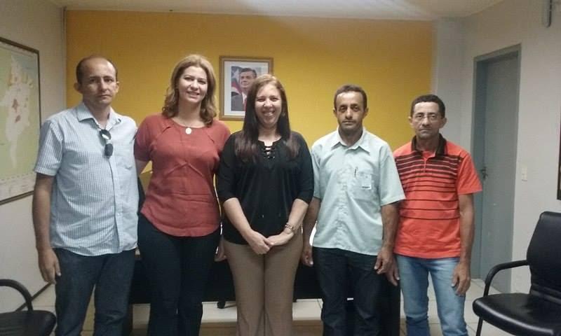 Valéria Macedo acompanha lideranças de Montes Altos na Secretaria das Cidades