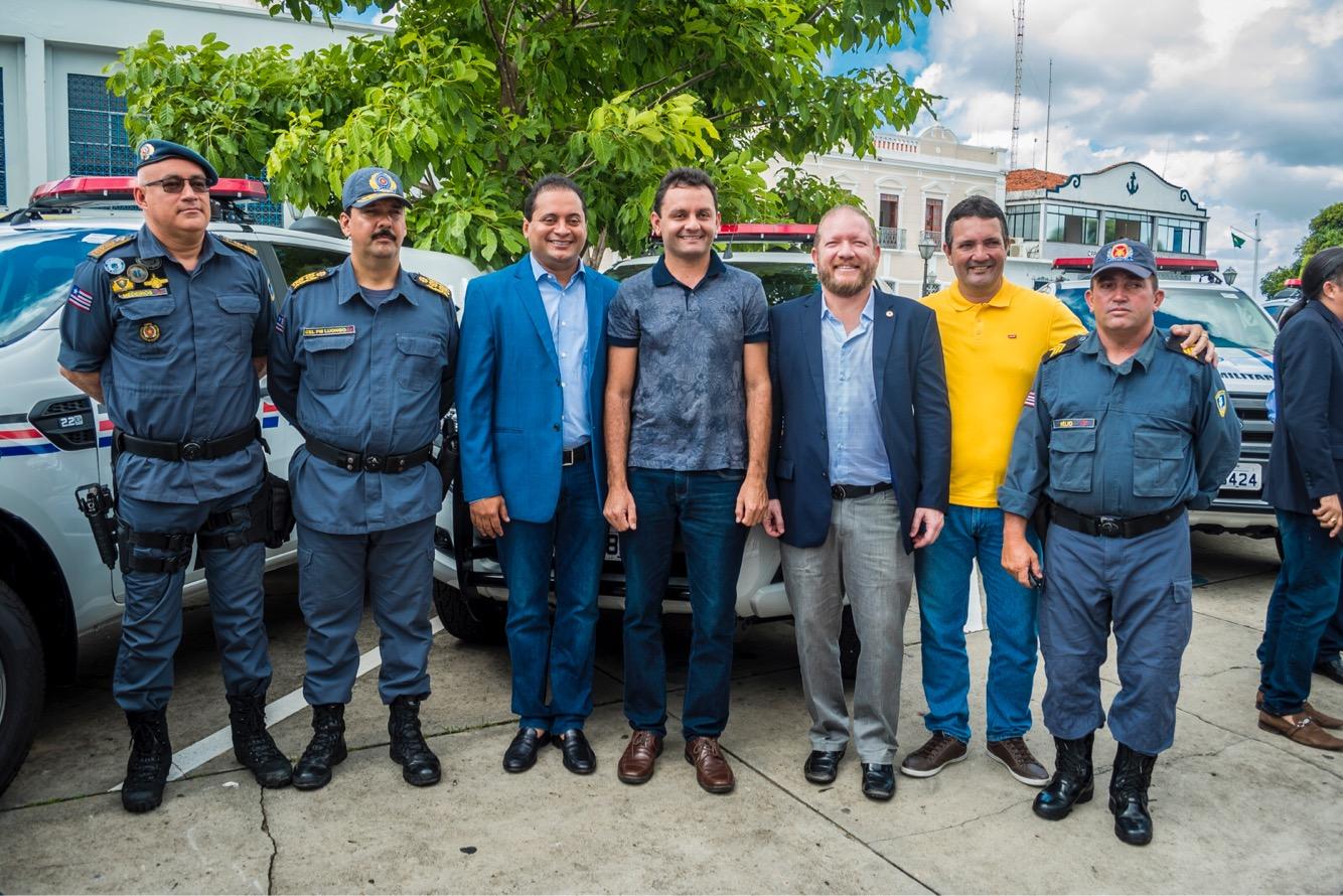 Othelino participa da solenidade de entrega de 20 viaturas para a Polícia Militar