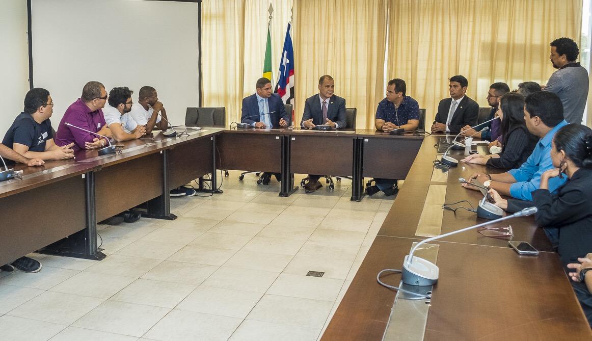 Rogério Cafeteira abre diálogo com servidores estaduais sobre reajuste salarial