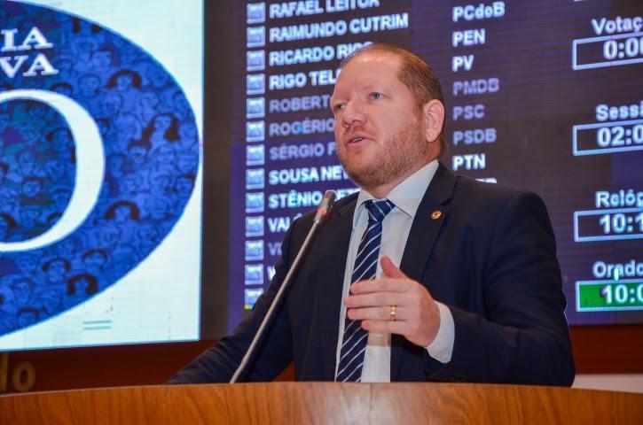 """Deputado Othelino critica """"pacto"""" para tentar barrar a operação Lava Jato"""