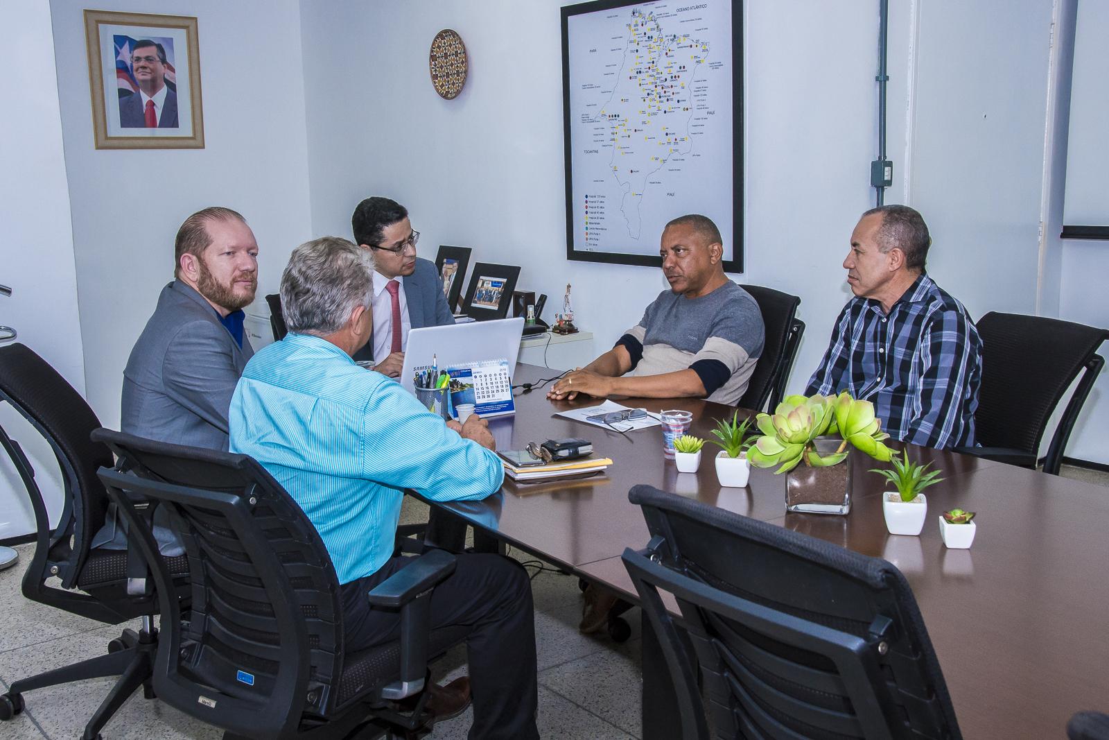 Othelino visita secretário de Saúde e garante melhorias para São Bento e Vargem Grande